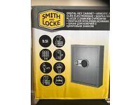 Large digital key safe