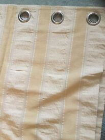 """Heavy Lined Gold coloured curtains. 90""""(229cms)drop 72""""(188cms)wide"""