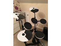 Roland TD4-KP electronic Drum kit (with bass kick pedal)