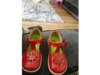 Girls red chimpmunk shoes size 8 big fitting