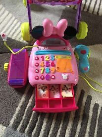 Minnie Mouse shopping trolley and cashier