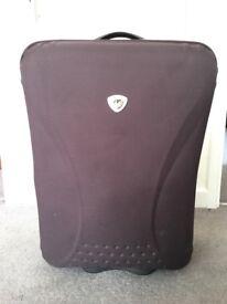 Excellent condition IT suitcase Medium