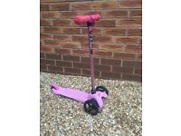 Limited Edition pink micro scooter for 3-5 years old. The original scooter and the best. Good con