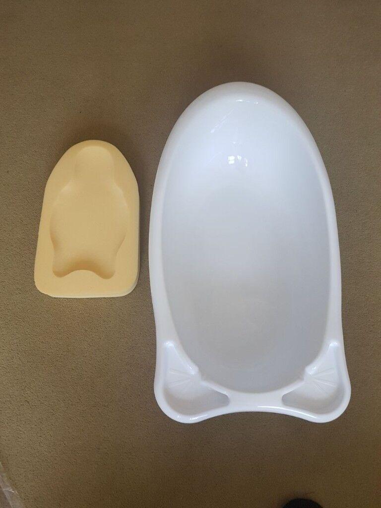 Baby bath with FREE new-born foam insert