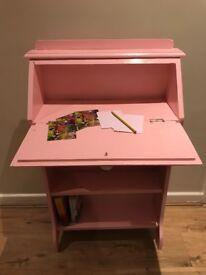 Wrting desk/book shelf