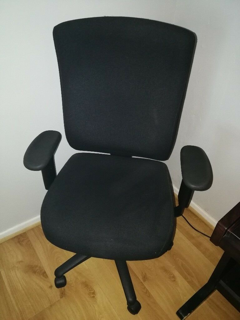 Professional Office Chair With Lots Of Adjustment Options In Excellent Condition