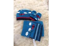 Baby hat gloves and scarf set. Age 1-3 yrs.