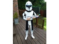 Star Wars costumes and weapons