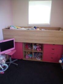 GIRLS PINK/BEECH CABIN BED