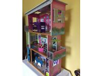 Top quality Kidkraft kids dolls house and 'family' from ELC. Excellent condition.