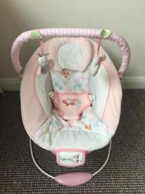 Baby seat/ vibrating chair with music great condition
