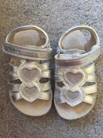 Girls Clark's Sandals - Toddler Size 6.5