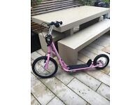 Pink teen/adult scooter with breaks