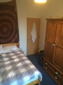 Room available in 13 person house off Gloucester Road
