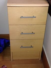 Chest of drawers/bed side table