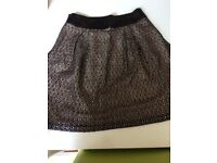 FRENCH CONNECTION SIZE 6 SKIRT BLACK AND SILVER