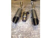 R1 exhausts screen crash bungs