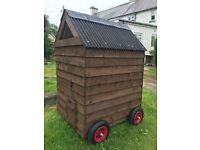 Chicken house on wheels, 5ft x 5ft