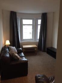 Two Bedroom Flat to rent on Paisley Rd West £500 PCM