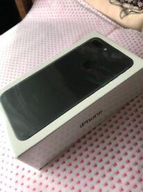 iPhone 7plus 32gb (virgin, EE, bt, T-Mobile) new in packaging
