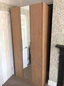 Wardrobe 3 door bifold with mirror