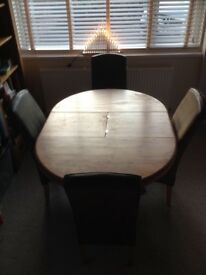 Solid pine dining table 4 leather chairs