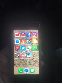iPhone 5s needs a new screen but works perfect and wwe fihuers
