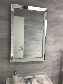 Bevelled mirror x3
