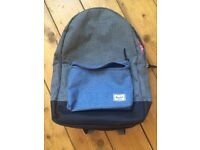 BRAND NEW Herschel Settlement backpack in grey and blue with classic striped lining