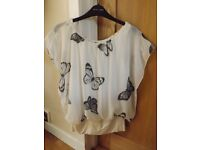 New Look Butterfly Top Size M