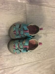 Size 7 US Keen Toddler Sandals