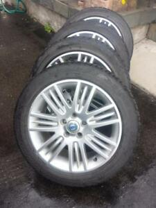 VOLVO FACTORY OEM  MADE IN GERMANY 17 INCH WHEELS WITH 225 / 50 / 17  HIGH PERFORMANCE WINTER TIRES.
