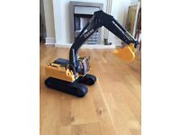 JOHN DEERE DIGGER WITH NOISES CB21 COLLECT
