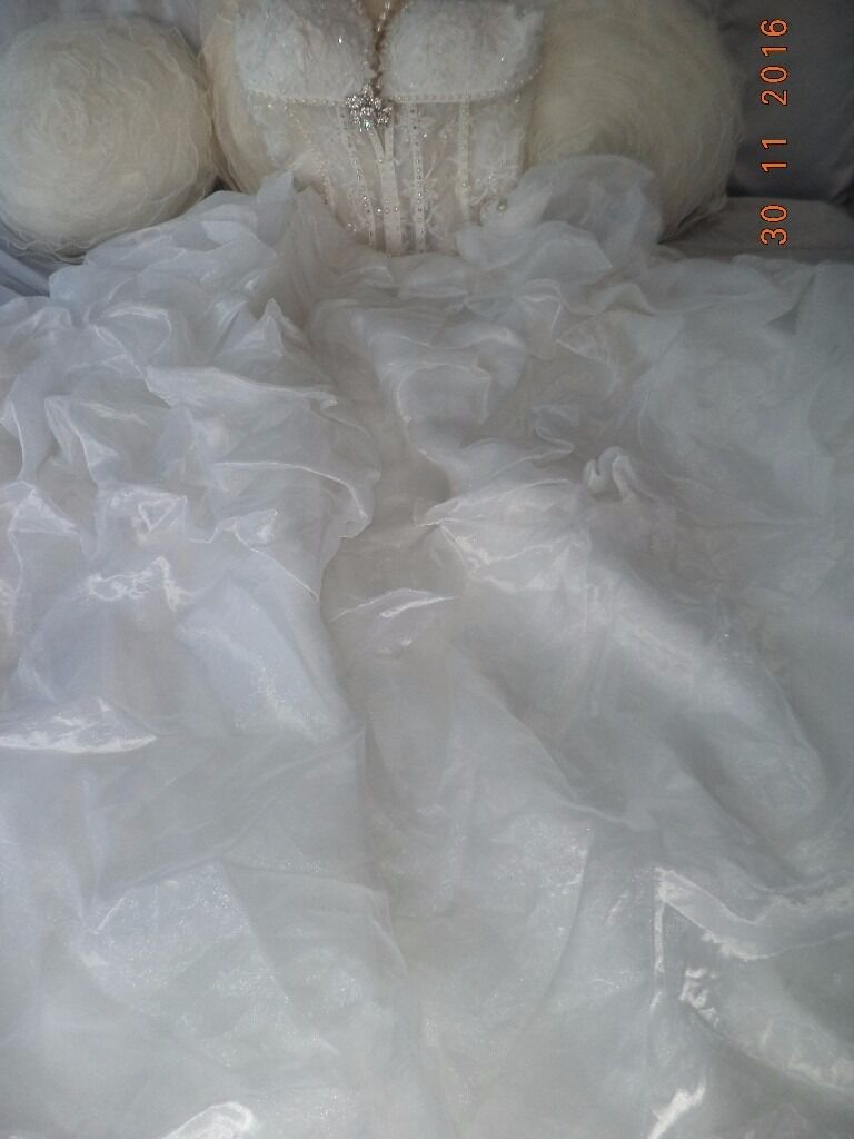 wedding dress for sale new never worn size 810in Norwich, NorfolkGumtree - wedding dress new never worn as ended buying a different one womens size 8 10 comes with 3 hoop underskirt £180 NO TIME WASTERS advertising for a friend can send to you