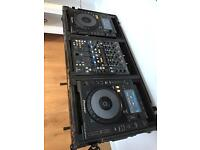 Pioneer CDJ 900 nexus + behringer ddm4000 mixer + TIP case, stand and all cables
