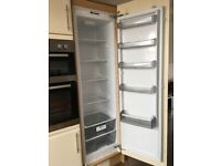 Family sized integrated fridge. Perfect condition.