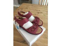 Ladies Damart Fushia Sandal