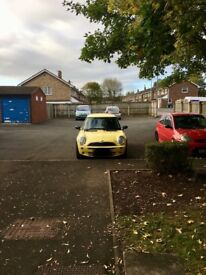 Mini one liquid yellow 06 plate 146000 miles lovely clean car nice to drive mot till jan18