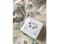 Xbox One White Wireless controller New Boxed
