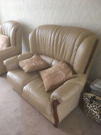 2 piece leather suite excellent condition