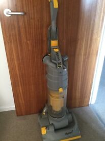 Dyson dc03 vacuum cleaner upright working but needs attention