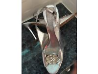 Silver sling back evening shoes. Size 6/7