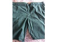 Men green shorts( Bermuda)
