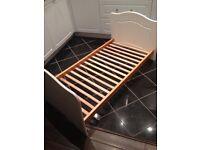 White cot bed (140x70cm)