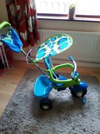 Smartike lovely condition with sun canopy basket etc