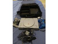 Playstation 1 + 5 PS games + PC games