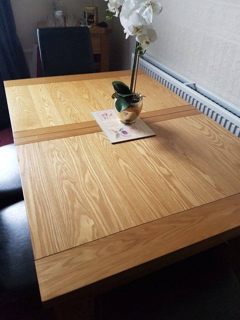 Dining Table With 4 Leather Look Chairs