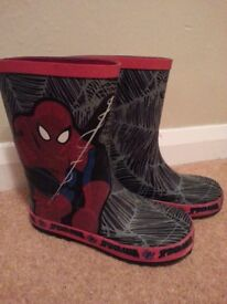 Boys Spider Man Welling Boots size 13 Hardly worn