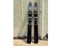 Waterski jump skis