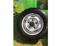 195/70r15 wheels 5 stud with centre caps and tyres with deep tread ( ford transit )